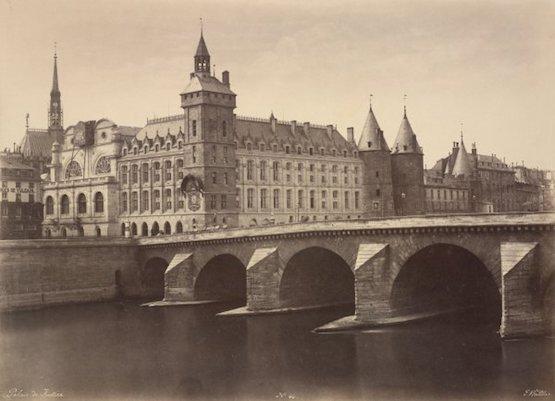 Le palais de Justice et le pont au Change, vus du quai de Gesvres (aujourd'hui Préfecture de Police), Circa 1854 premières photos de paris