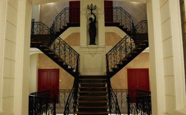 escalier-villa-des-arts-cover