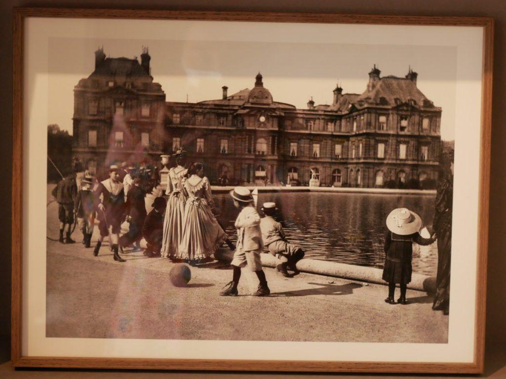 Paris 1900 Roger-Viollet. paris
