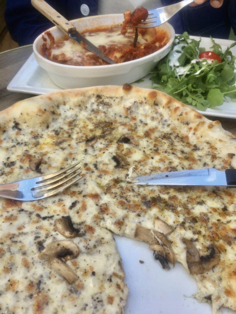 restaurants-montmartre pizza