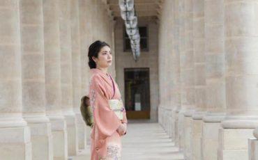photos japonaises en kimono à Paris Palais Royal cover